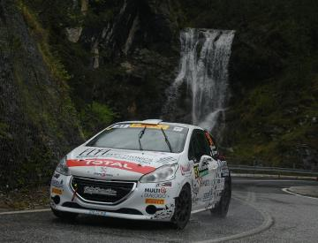 Buona la prima di Jolly Racing Team nell'international rally cup: baroncelli e guarducci all'arrivo del rally piancavallo