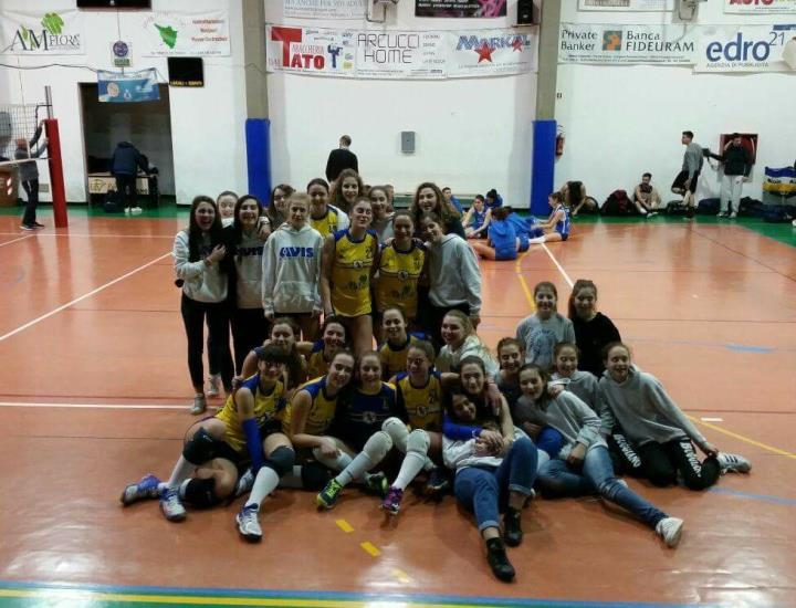 Under 18, Buggiano vola in semifinale